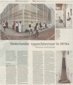2006_137_Netherlands-Embassy-Maputo_Trouw_0830_pp02-03